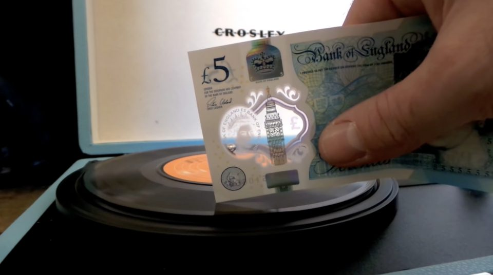 Playing vinyl with a fiver